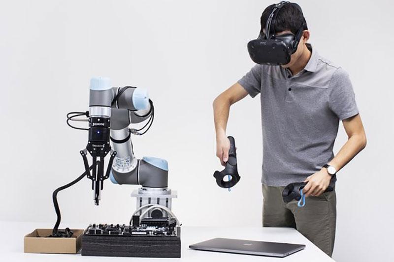 ترکیب واقعیت مجازی و افزوده برای آموزش به رباتها
