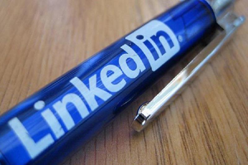 لینکدین سیستم مشاوره شغلی راه اندازی میکند